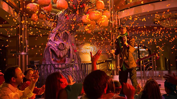 Confeti cae del cielo durante una fiesta de Halloween